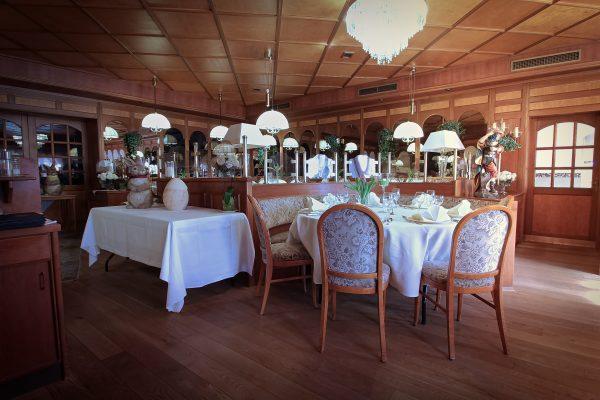 Restaurant -19